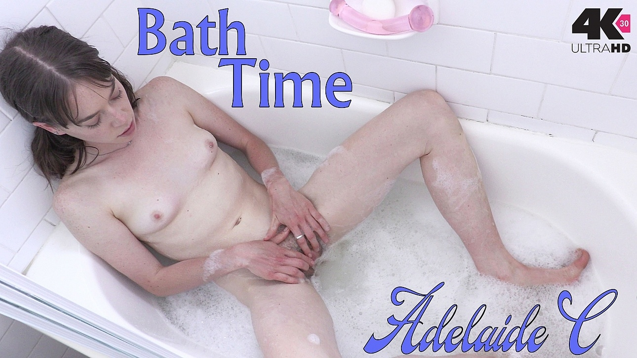 erotic-bath-time-video